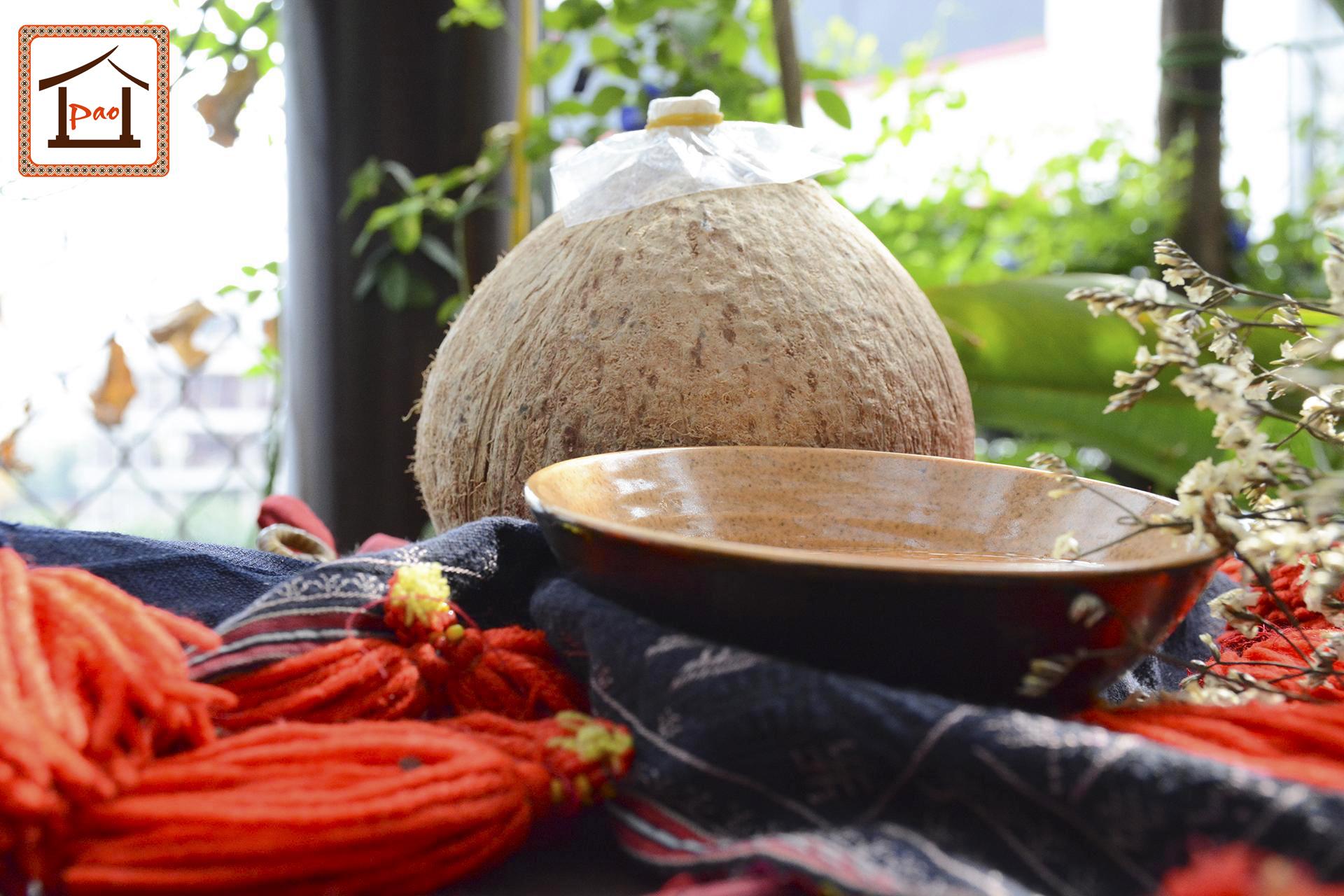 Rượu dừa Pao Quán